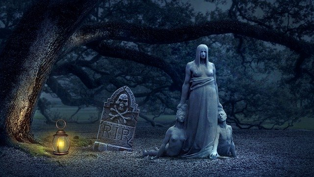 halloween fantasy-2542946_640
